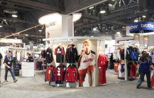 holloway_tradeshowbooth